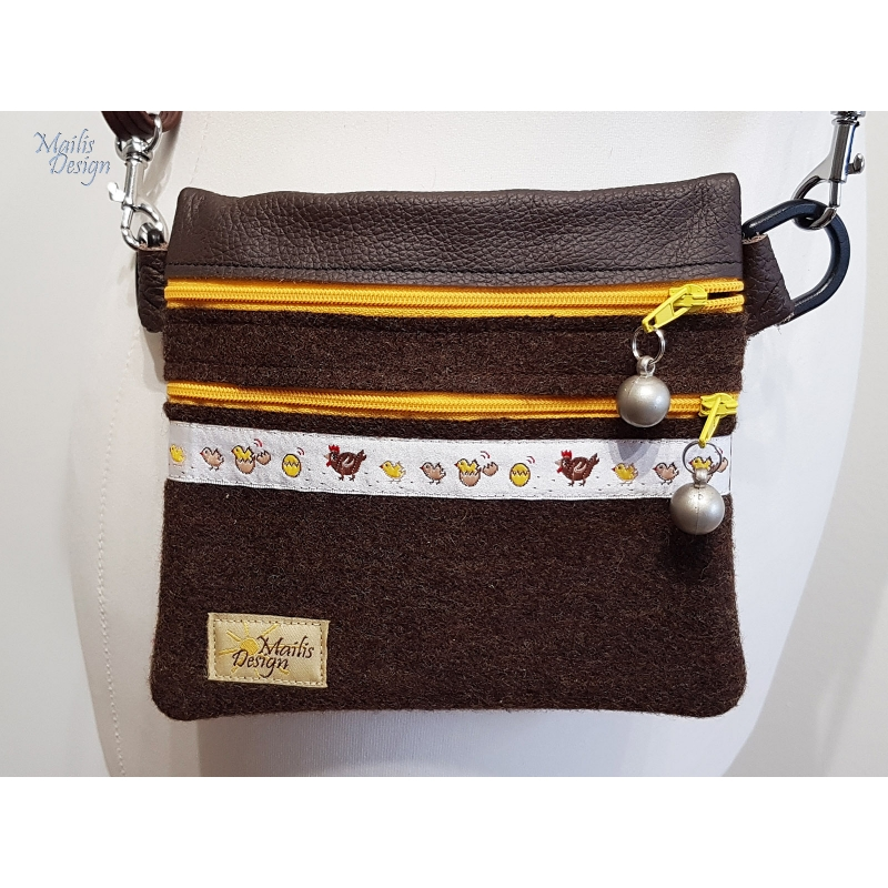 Waist bag for kids, Chickens, woollen felt and leather