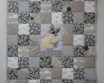 Toddlers Quilt, Grey with Lamm (140 x 105 cm)